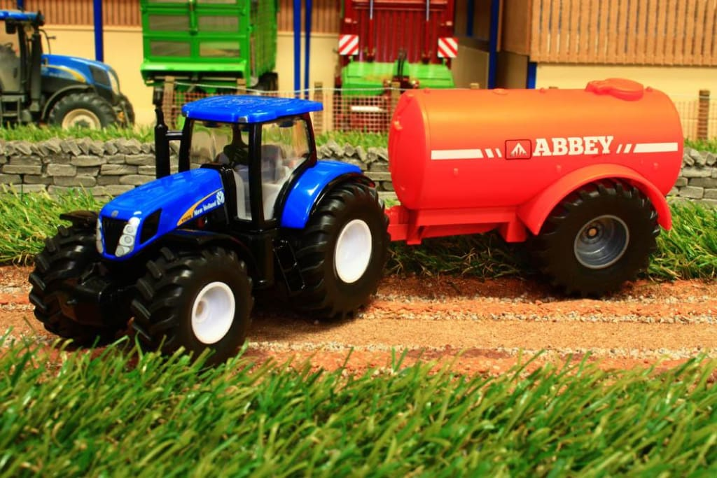 1945 Siku 150 Scale New Holland Tractor With Abbey Slurry Tanker Tractors And Machinery (1:50 Scale)
