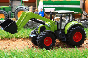 1979 SIKU 150 SCALE CLAAS TRACTOR WITH FRONT LOADER