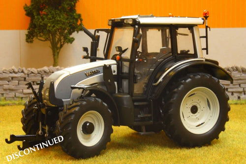 UH2932 UNIVERSAL HOBBIES VALTRA N SERIES 111 METALLIC SILVER