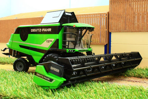Usk31006 Usk Deutz 9206 Combine Harvester Tractors And Machinery (1:32 Scale)