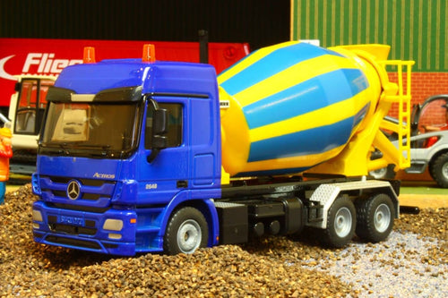 3539 SIKU 150 SCALE MERCEDES ACTROS CEMENT MIXER