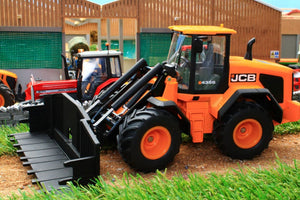 3663 SIKU JCB 435S WHEELED LOADER (WITH REMOVABLE ATTACHMENT)