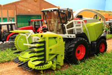 Load image into Gallery viewer, 4058 Siku Class Jaguar 960 Forage Harvester