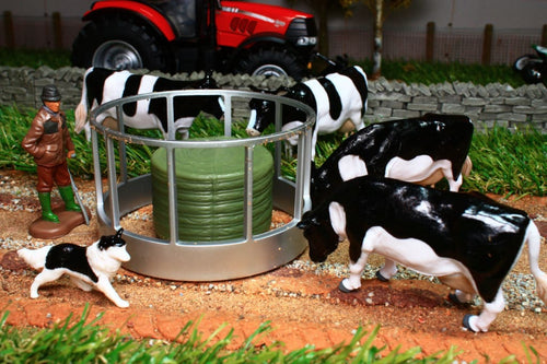 43137A1 BRITAINS CATTLE FEEDERS SET INC ROUND FEEDER WITH BALE 4 X FRIESIAN COWS 1 X FARMER AND DOG