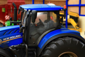 43149A1 WEATHERED BRITAINS NEW HOLLAND T7.315 TRACTOR