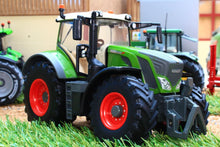 Load image into Gallery viewer, 43177 Britains Fendt 828 Vario Tractor