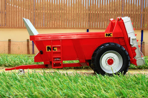43181 Britains Nc Rear Discharge Manure Spreader Tractors And Machinery (1:32 Scale)