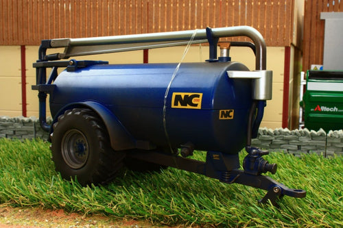 43201 WEATHERED BRITAINS NC SLURRY TANKER ROADSIDE IN BLUE