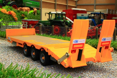 43254 BRITAINS KANE LOW LOADER TRAILER IN YELLOW