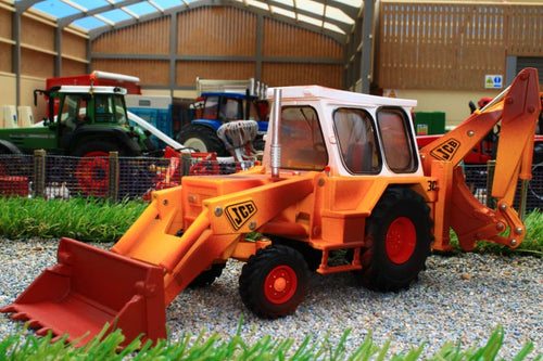 43280 BRITAINS VINTAGE JCB 30 MK111 RUSTY VERSION