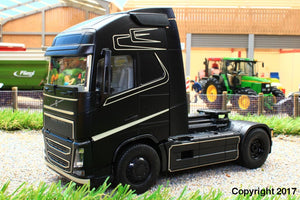 6737 SIKU RADIO CONTROLLED VOLVO FH16 LORRY WITH BLUETOOTH HAND CONTROLLER