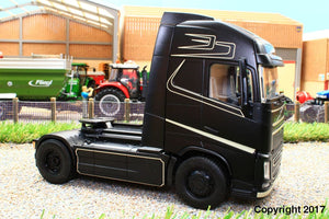6737 + 6734 SIKU RADIO CONTROLLED VOLVO FH16 LORRY WITH BLUETOOTH HAND CONTROLLER AND SCHMITZ CARGO BULL 3 AXLE TRAILER