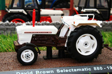 Load image into Gallery viewer, 7517029 Atlas 132 Scale David Brown Selectamatic 880 Tractor 1969 Tractors And Machinery (1:32