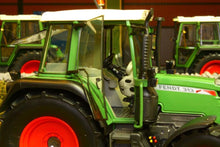 Load image into Gallery viewer, Sch7710 Schuco Fendt 313 Tractor Tractors And Machinery (1:32 Scale)