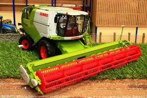 W7817 Wiking Claas Tucano 570 Combine Harvester Tractors And Machinery (1:32 Scale)