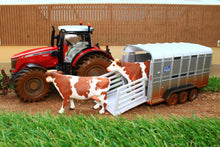 Load image into Gallery viewer, 8608 SIKU MUDDY MASSEY FERGUSON TRACTOR WITH IFOR WILLIAMS STOCK TRAILER AND 2 COWS