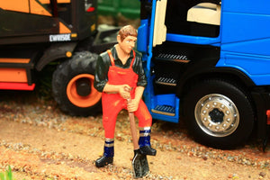 AT32146 AT COLLECTIONS WORKS FIGURE DIGGING WITH SPADE