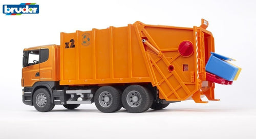 B03560 BRUDER SCANIA R-SERIES GARBAGE TRUCK IN ORANGE