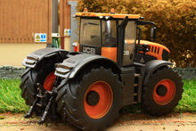 Load image into Gallery viewer, 43206(W) Weathered Britains Jcb Fastrac 8330 Tractor Weathered Models (1:32 Scale)