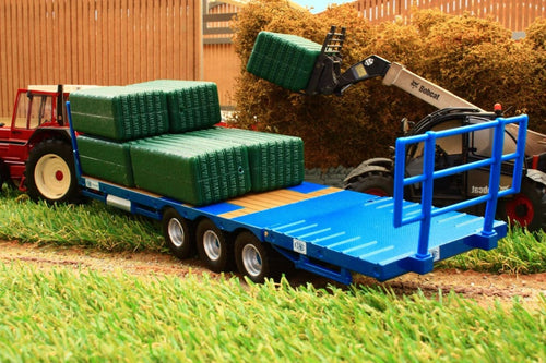 43218 BRITAINS KANE BALE TRAILER WITH BALES