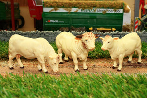 43240 BRITAINS CHAROLAIS COWS X 2 AND BULL X 1 SET