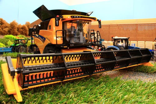 43270 Britains New Holland Combine Cr9.90 45Th Anniversary Edition Tractors And Machinery (1:32
