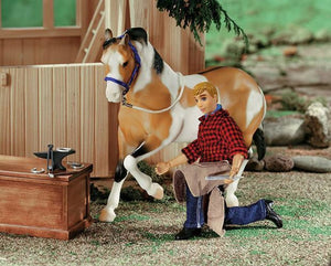 BR530 FARRIER FIGURE WITH BLACKSMITH TOOLS TRADITIONAL SERIES