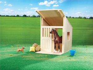BR596 Breyer Hilltop Stable (1:12 scale)
