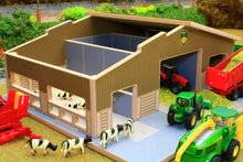 Load image into Gallery viewer, Elevated front view of BT1870 1:87 Scale Multi-Purpose Farm Building