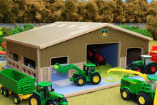 Load image into Gallery viewer, Front view with roof sections on BT1870 1:87 Scale Multi-Purpose Farm Building