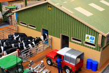 Load image into Gallery viewer, Bt2500 Rotary Milking Parlour With Free Britains Cow And Feeder Set Farm Buildings & Stables (1:32