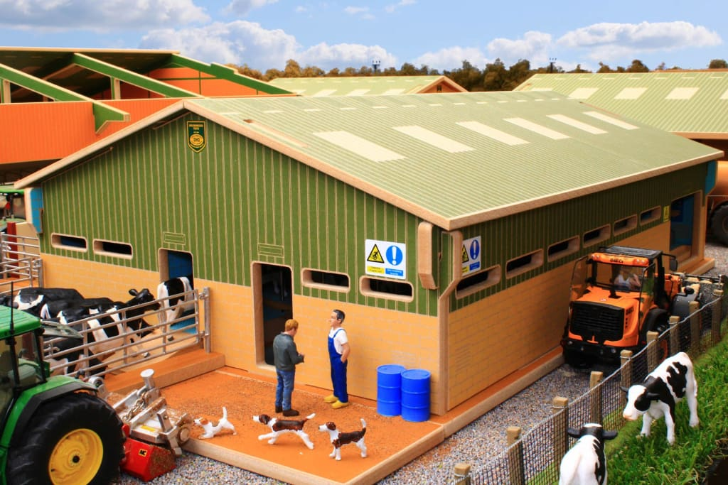 Bt2500 Rotary Milking Parlour With Free Britains Cow And Feeder Set Farm Buildings & Stables (1:32