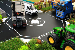 BT3072 MINI ROUNDABOUT IN 1:32 SCALE