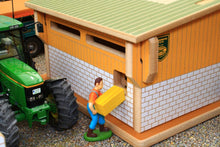 Load image into Gallery viewer, Bt8900 Bull Pen Farm Buildings & Stables (1:32 Scale)