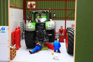 Bt8990 Agricultural Contractors Base With Free Contractors Sticker Set! Farm Buildings & Stables