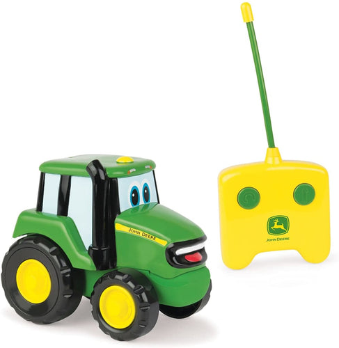 42946 BRITAINS JOHN DEERE RADIO CONTROLLED JOHNNY TRACTOR