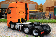Load image into Gallery viewer, MM1912-05 MARGE MODELS MERCEDES BENZ ACTROS GIGASPACE 6 X 2 IN YELLOW