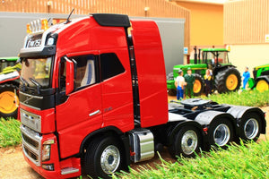 Mm1915-02 Marge Models Volvo Fh16 8X4 In Red Tractors And Machinery (1:32 Scale)