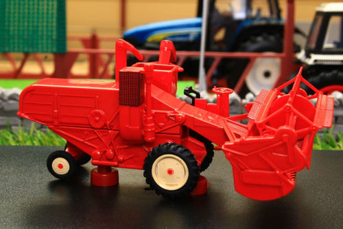 OXF76CHV001 OXFORD DIE CAST COMBINE HARVESTER IN RED (1:76 SCALE)
