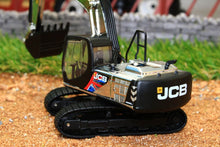 Load image into Gallery viewer, OXF 76JS002 OXFORD DIE CAST JCB JS220 SWING SHOVEL MILLIONTH MACHINE EDITION (1:76 SCALE)