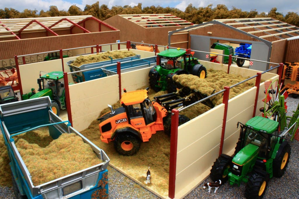 PB17 LARGE OPEN DOUBLE SILAGE CLAMP (RED OXIDE)