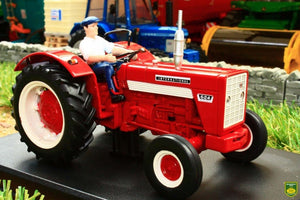 REP031 REPLICAGRI INTERNATIONAL IH 624 TRACTOR WITH DRIVER FIGURE