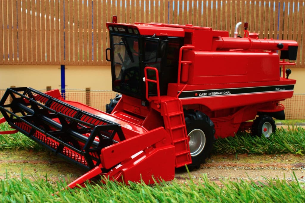 Rep113 Replicagri Case Ih Axial 1640 Combine Harvester Tractors And Machinery (1:32 Scale)