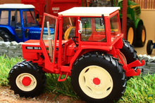Load image into Gallery viewer, Rep124 Replicagri Renault 851 4 Tractor Tractors And Machinery (1:32 Scale)