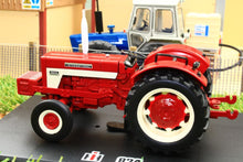 Load image into Gallery viewer, Rep151 Replicagri Ih International 824 2Wd Tractor Without Cab Tractors And Machinery (1:32 Scale)