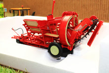 Load image into Gallery viewer, Uh2585 Universal Hobbies Grimmie Potato Harvester Tractors And Machinery (1:32 Scale)