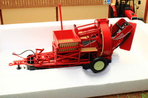 Uh2585 Universal Hobbies Grimmie Potato Harvester Tractors And Machinery (1:32 Scale)
