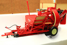 Load image into Gallery viewer, UH2585 UNIVERSAL HOBBIES GRIMMIE UNIVERSAL POTATO HARVESTER