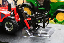 Load image into Gallery viewer, UH2925 Universal Hobbies MANITOU MT625 TELEHANDLER - view of fodder grab