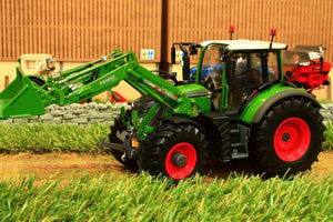 Uh4975 Universal Hobbies Fendt 722 Vario Tractor With Front Loader - Discontinued Tractors And